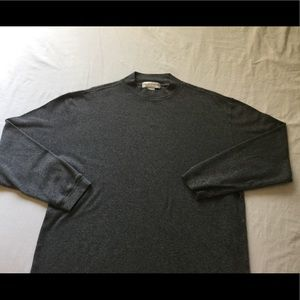 Saks fifth avenue long sleeve pullover t shirt